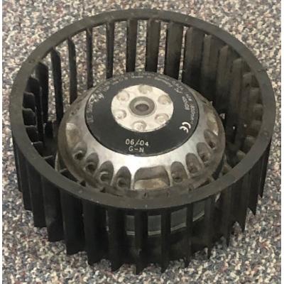 Goede gebruikte fan van EBM Papst R2E140 ventilator.